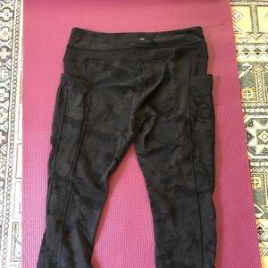 Camo lululemon leggings with pockets